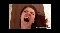 Vídeo de safados rasgando o cu de ninfetas