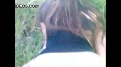 Vídeo porno amador no mato com gata linda