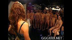 Videos de sexo gang bang com uma puta