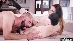 Porno com o tio comendo a sobrinha gostosa