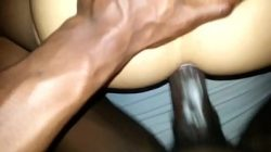 Porno gay x com negro dotado comendo um cu apertado