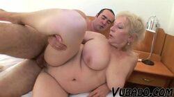 Putaria e cachorrada em filme de sexo de velha